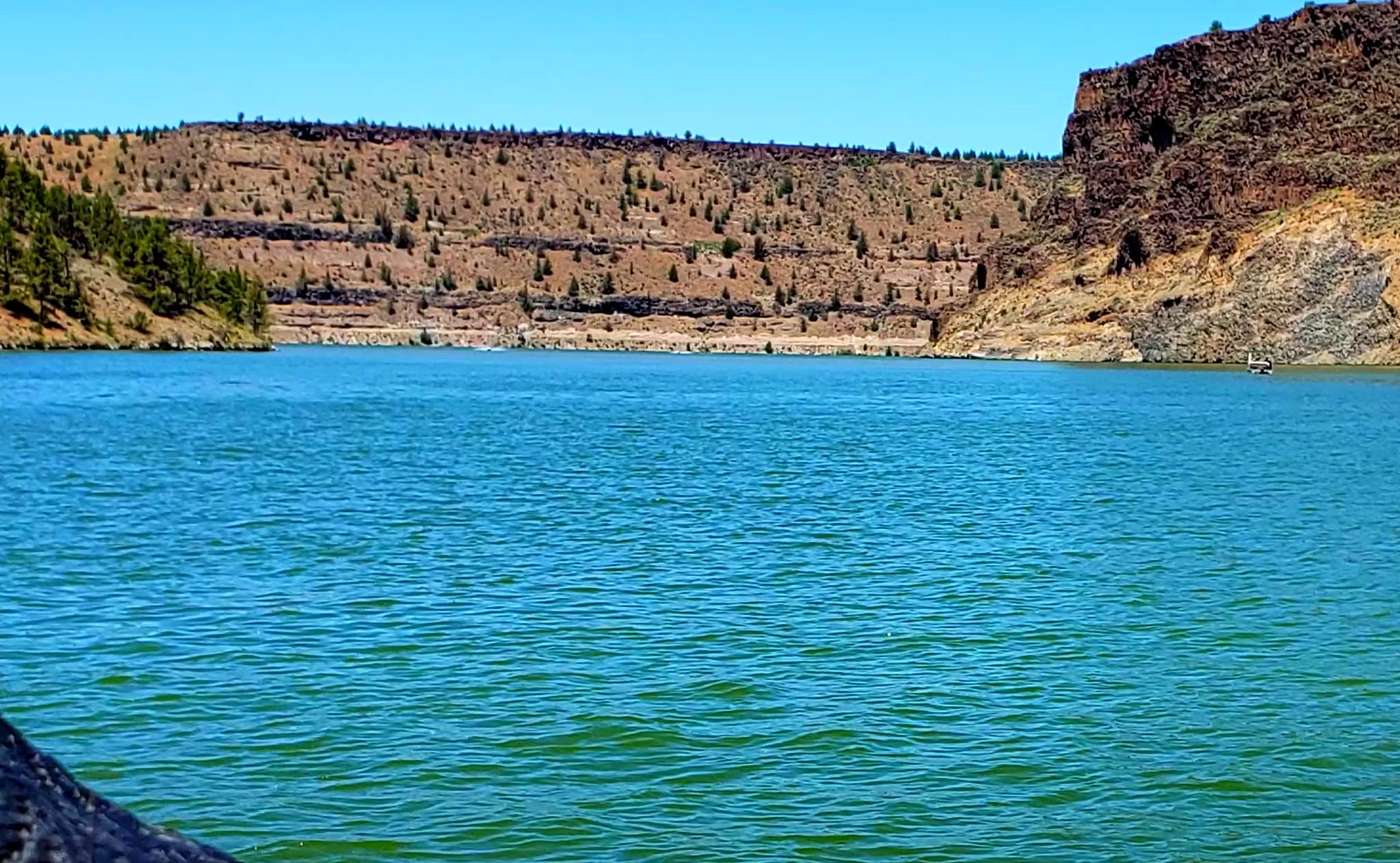 Lake-Billy-Chinook-Lake-Fishing-Report-Guide-Oregon-05