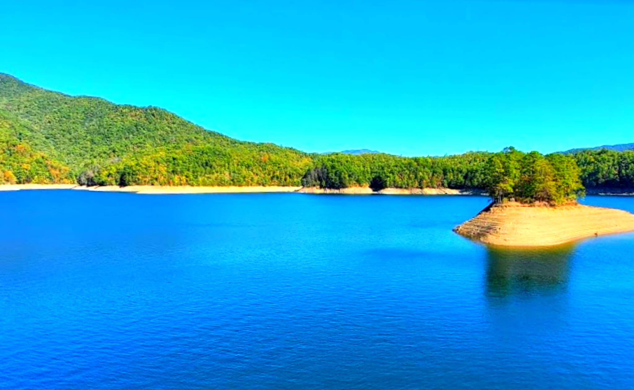Fontana-Lake-Fishing-Report-Guide-North-Carolina-NC-02